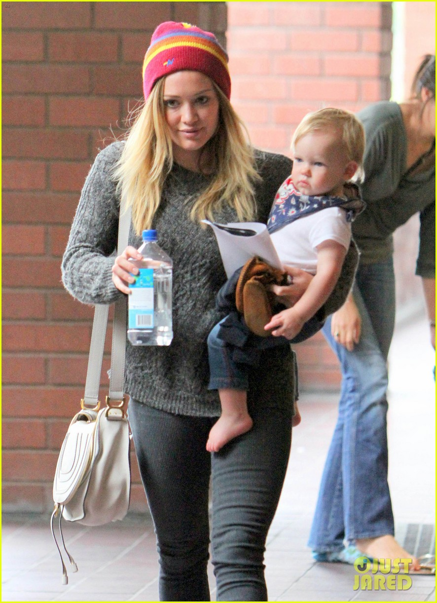hilary duff starting to work on my music again 052857818