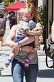 hilary duff sunny afternoons with baby luca 18