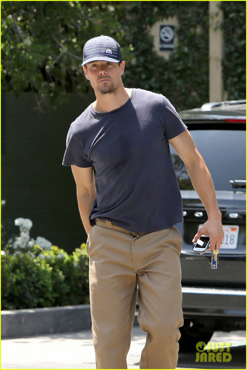 josh duhamel safe haven on dvd may 7 112857346