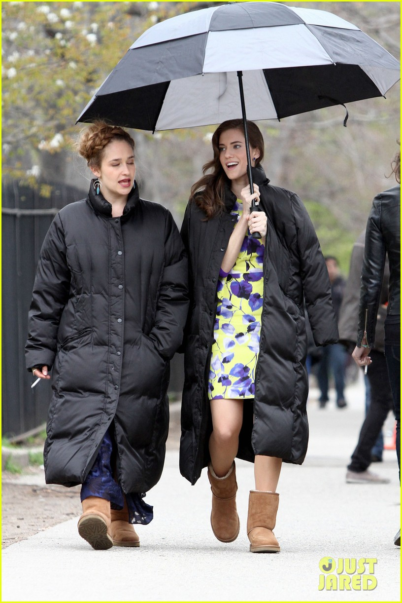 lena dunham allison williams girls set with jemima kirke 032856553