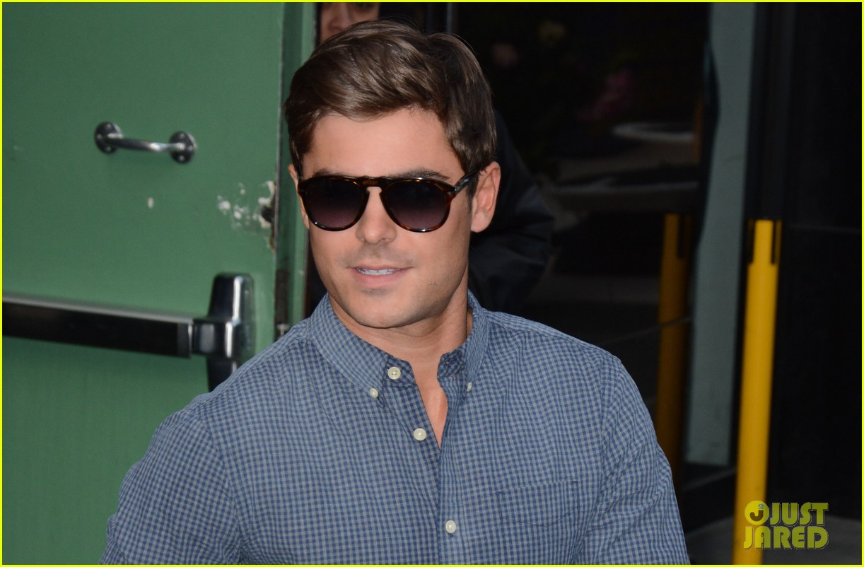 zac efron good morning america appearance 022852612