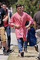 zac efron striped robe on townies set 03