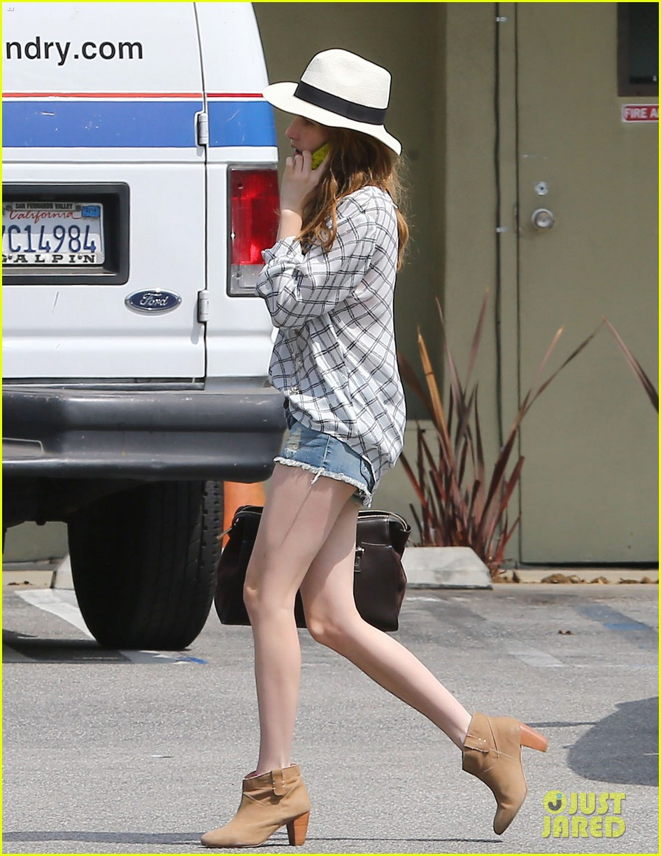 emma roberts delirium filming wrapped 07