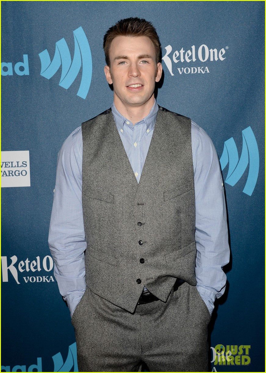 chris evans glaad media awards 2013 with brother scott 082854338