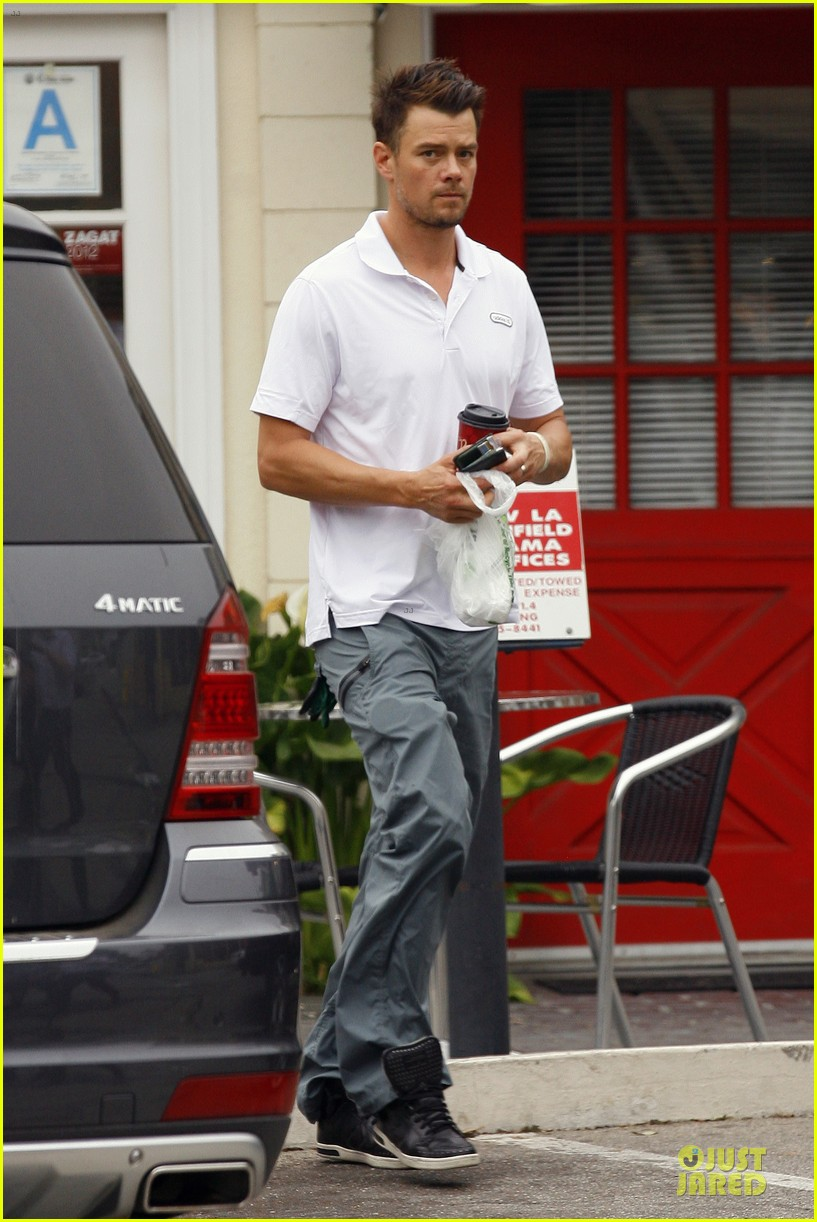 fergie josh duhamel separate outings in la 222849774
