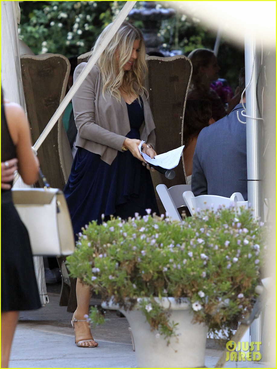 pregnant fergie sisters wedding with josh duhamel 152860126