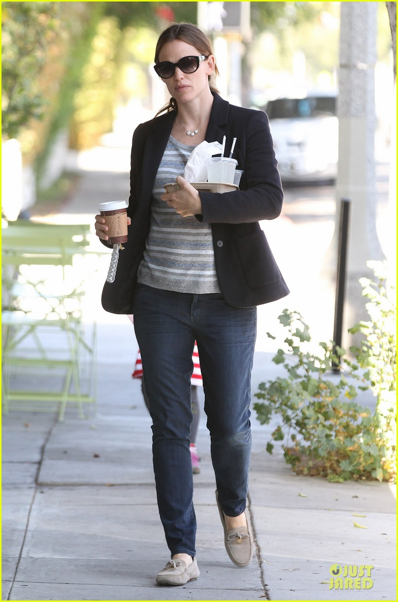 jennifer garner seraphina cafe stopping duo 242856725