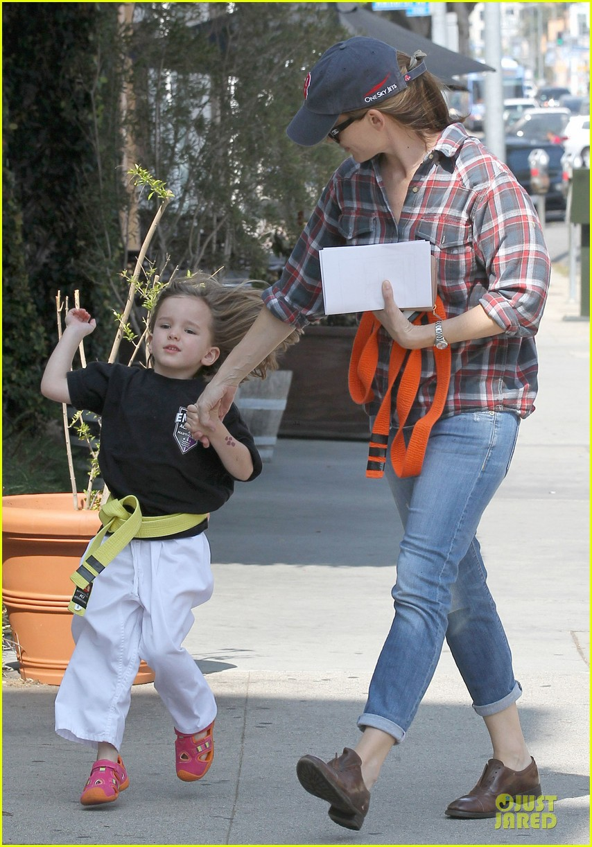jennifer garner celebrity culture is so silly 07