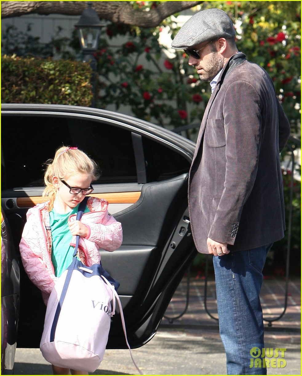 jennifer garner visits new york ben affleck on daddy duty 112843045
