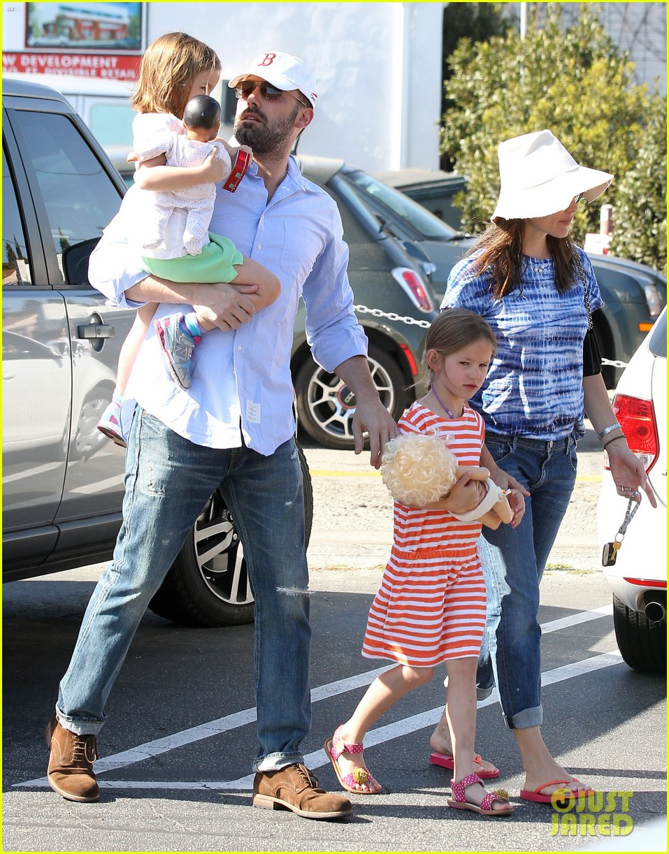 jennifer garner ben affleck weekend shopping with the girls 092855027