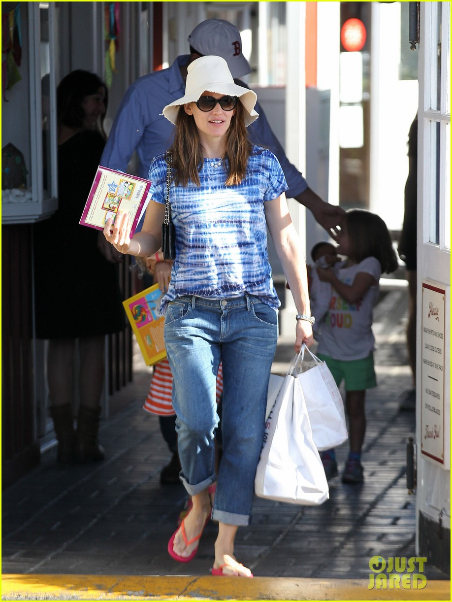 jennifer garner ben affleck weekend shopping with the girls 16