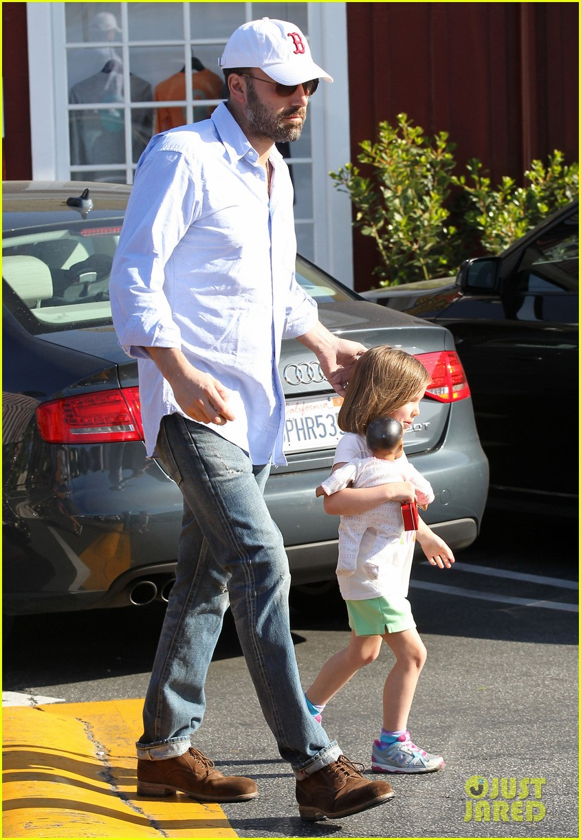 jennifer garner ben affleck weekend shopping with the girls 21