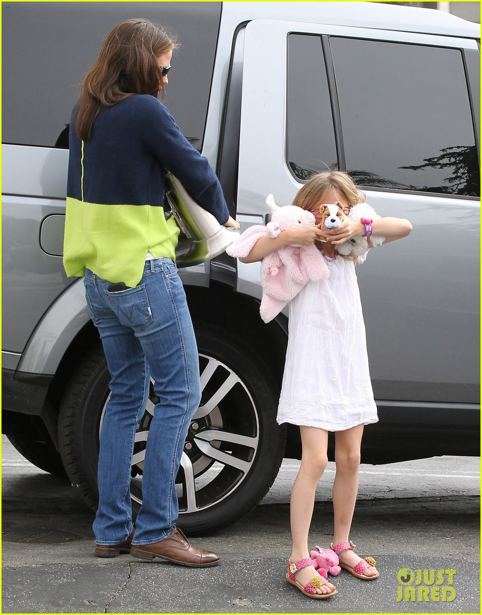 jennifer garner ben affleck weekend shopping with the girls 352855053