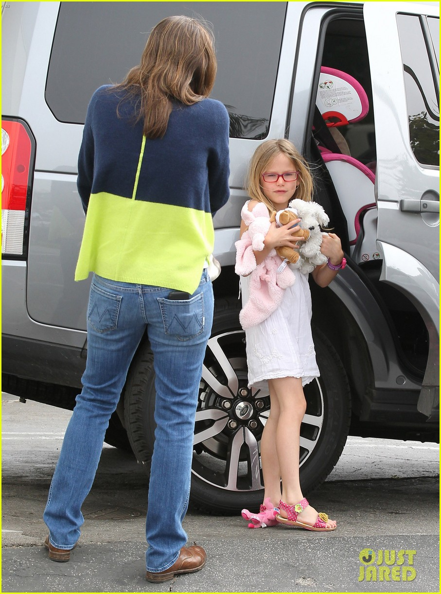 jennifer garner ben affleck weekend shopping with the girls 38
