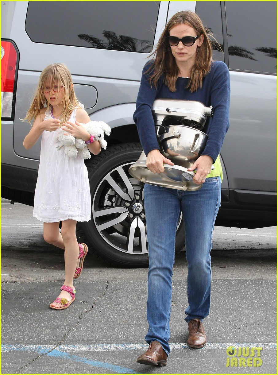 jennifer garner ben affleck weekend shopping with the girls 392855057
