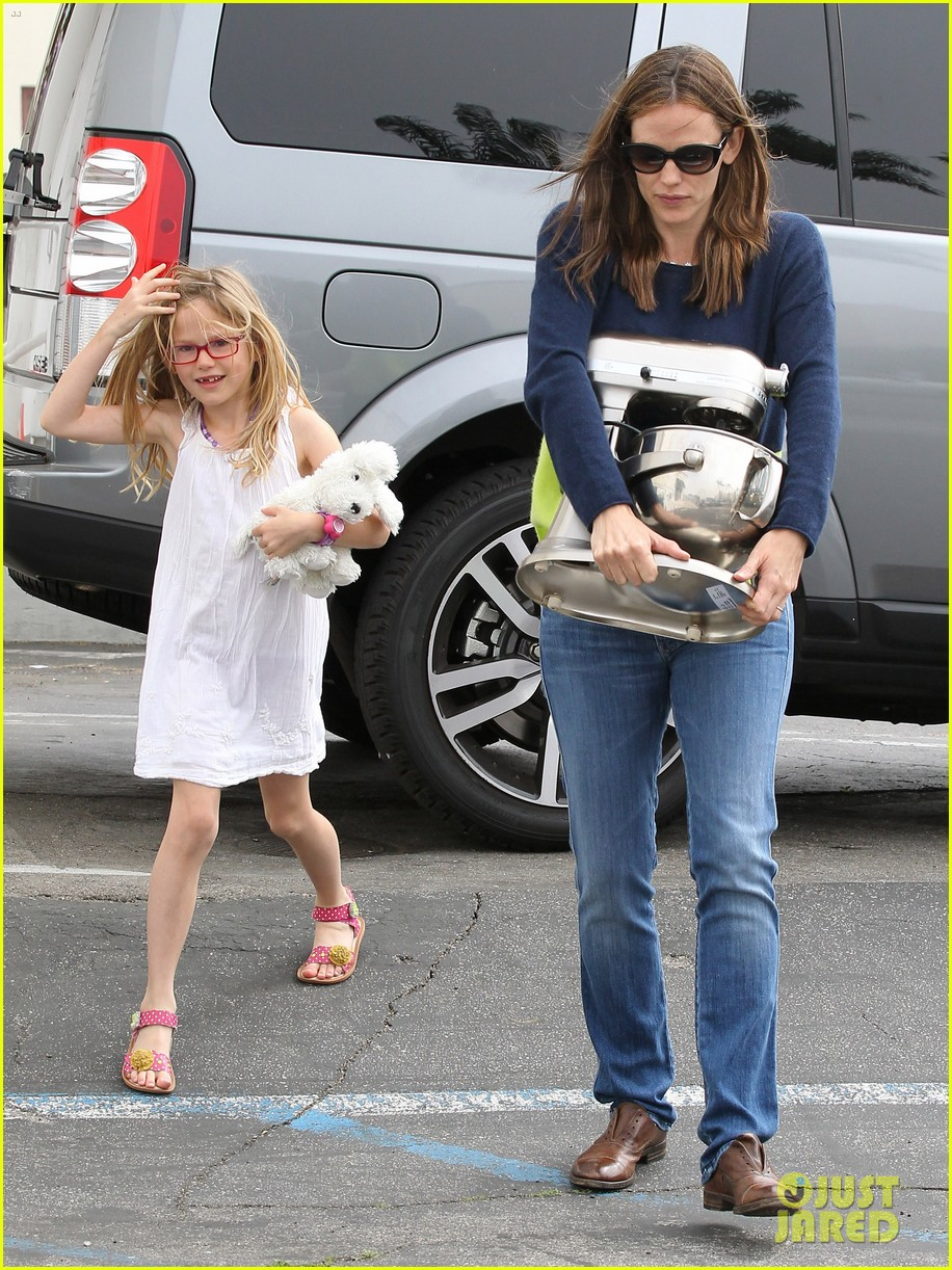 jennifer garner ben affleck weekend shopping with the girls 402855058