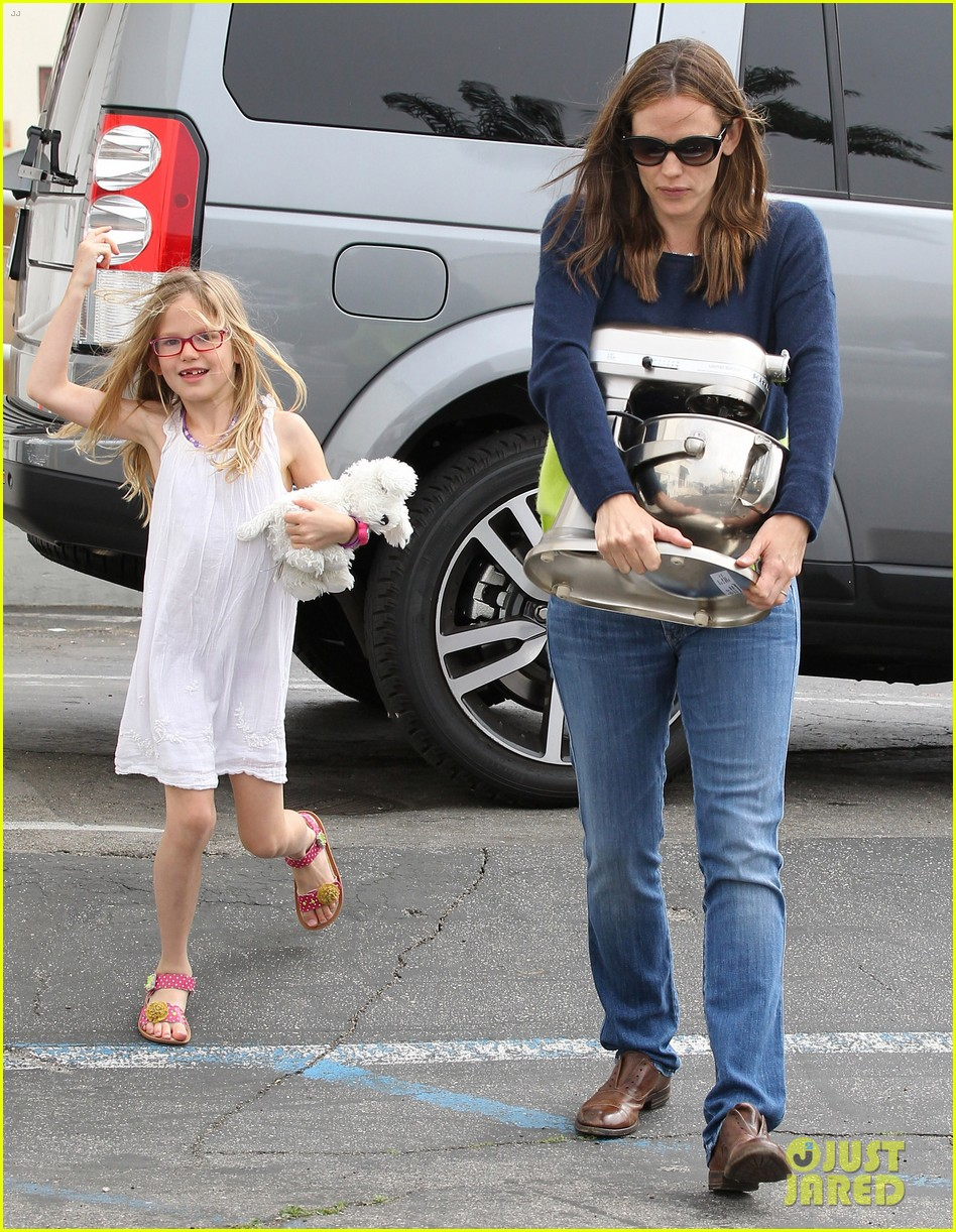 jennifer garner ben affleck weekend shopping with the girls 412855059