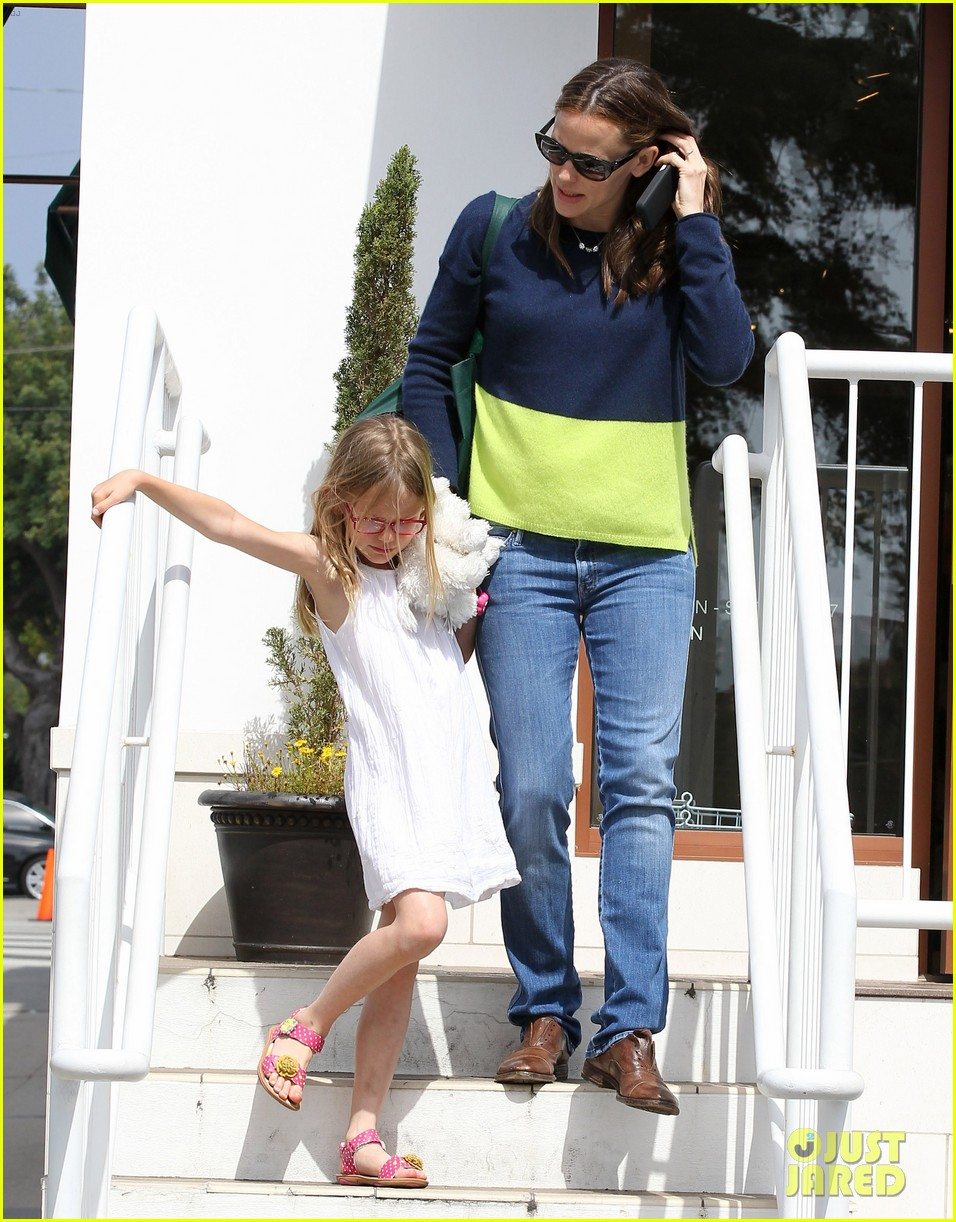 jennifer garner ben affleck weekend shopping with the girls 442855062
