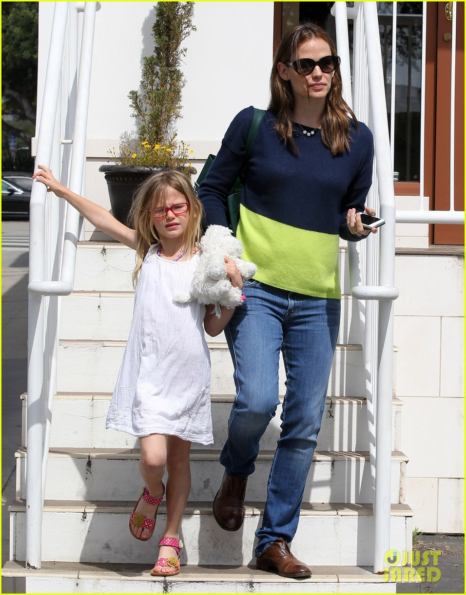 jennifer garner ben affleck weekend shopping with the girls 452855063