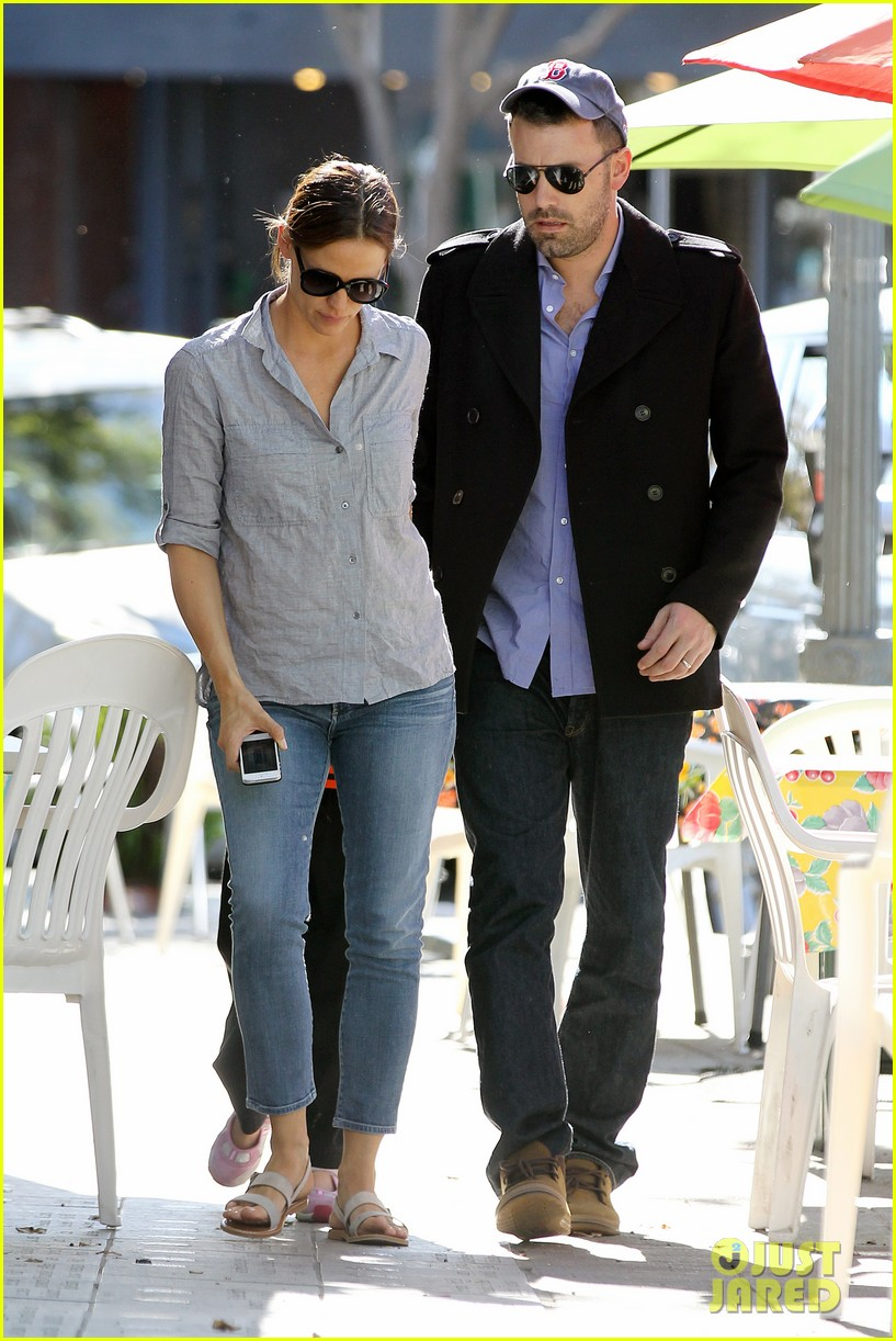 jennifer garner ben affleck kissing couple 052847648