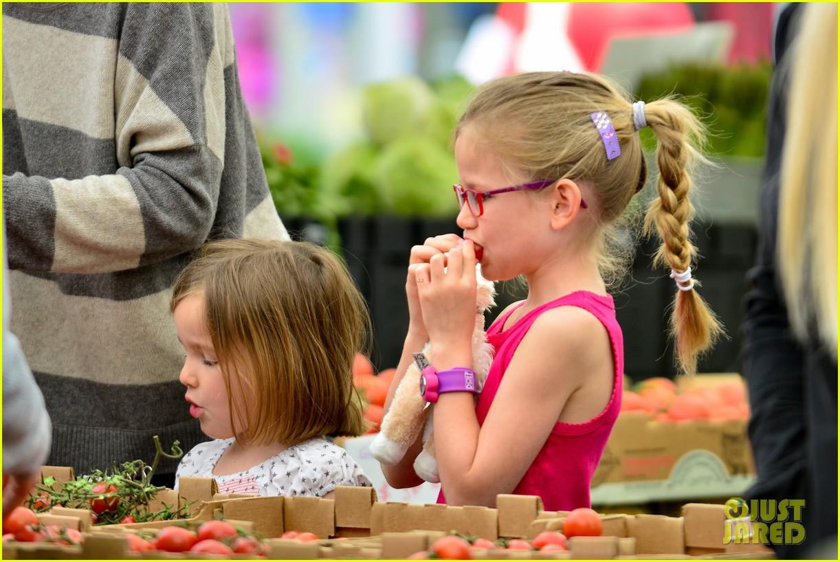 jennifer garner farmers market trip violet seraphina 282845006