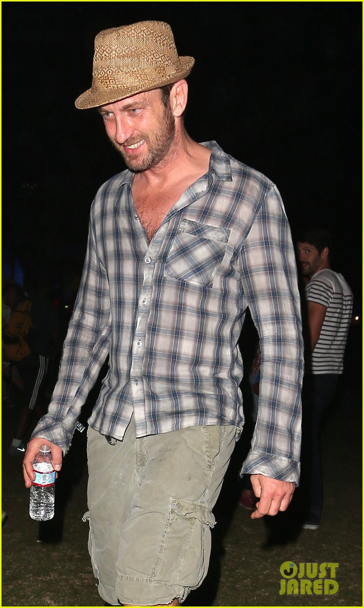 gerard butler jessica alba coachella weekend two 042854735