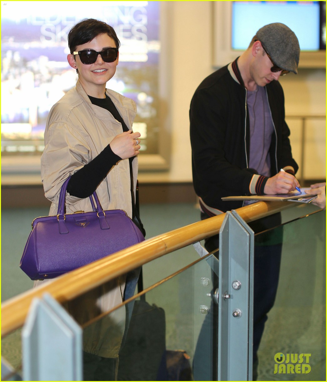 ginnifer goodwin josh dallas vancover touchdown 032841535