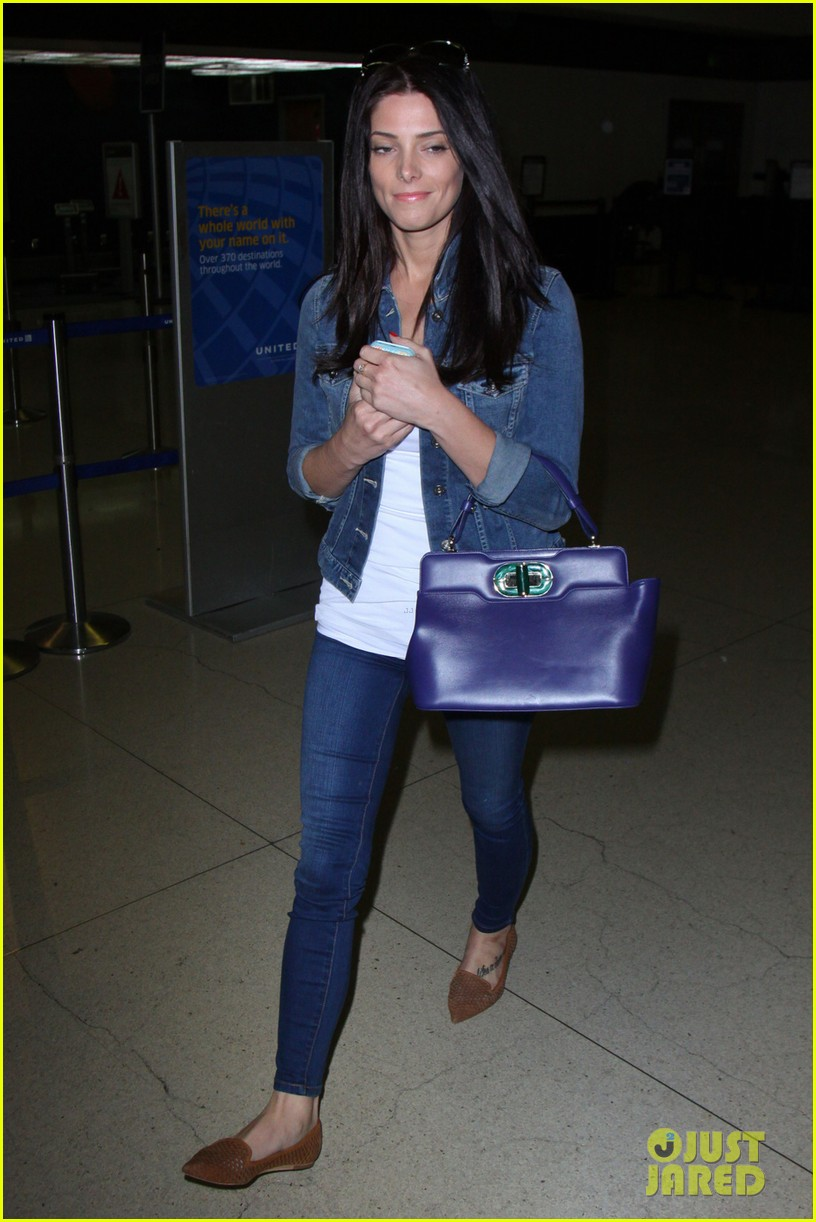 ashley greene arrives at lax after tragic condo fire 012843208
