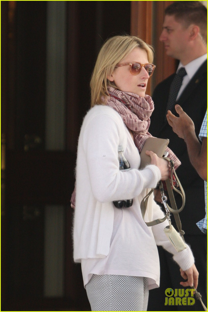 mamie gummer post split easter outing with meryl streep 012841422