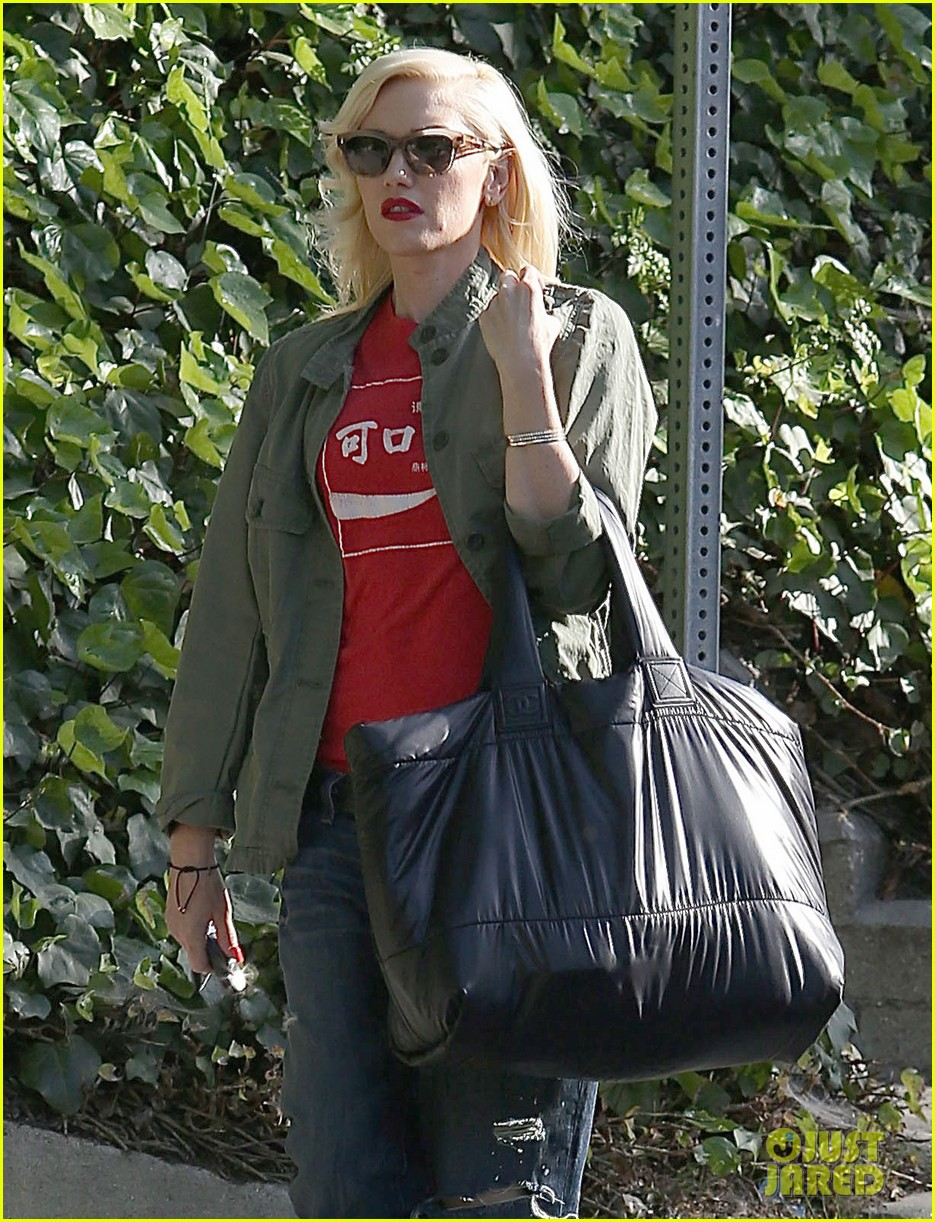 gwen stefani tuesday errands in la 062857182