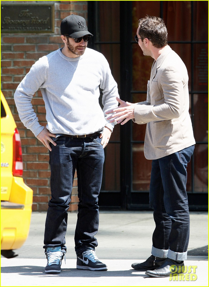 jake gyllenhaal jude law hang out in the east village 032859743