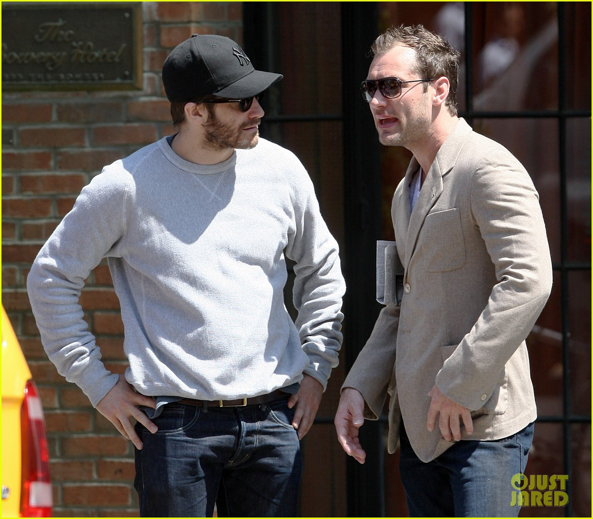 jake gyllenhaal jude law hang out in the east village 042859744