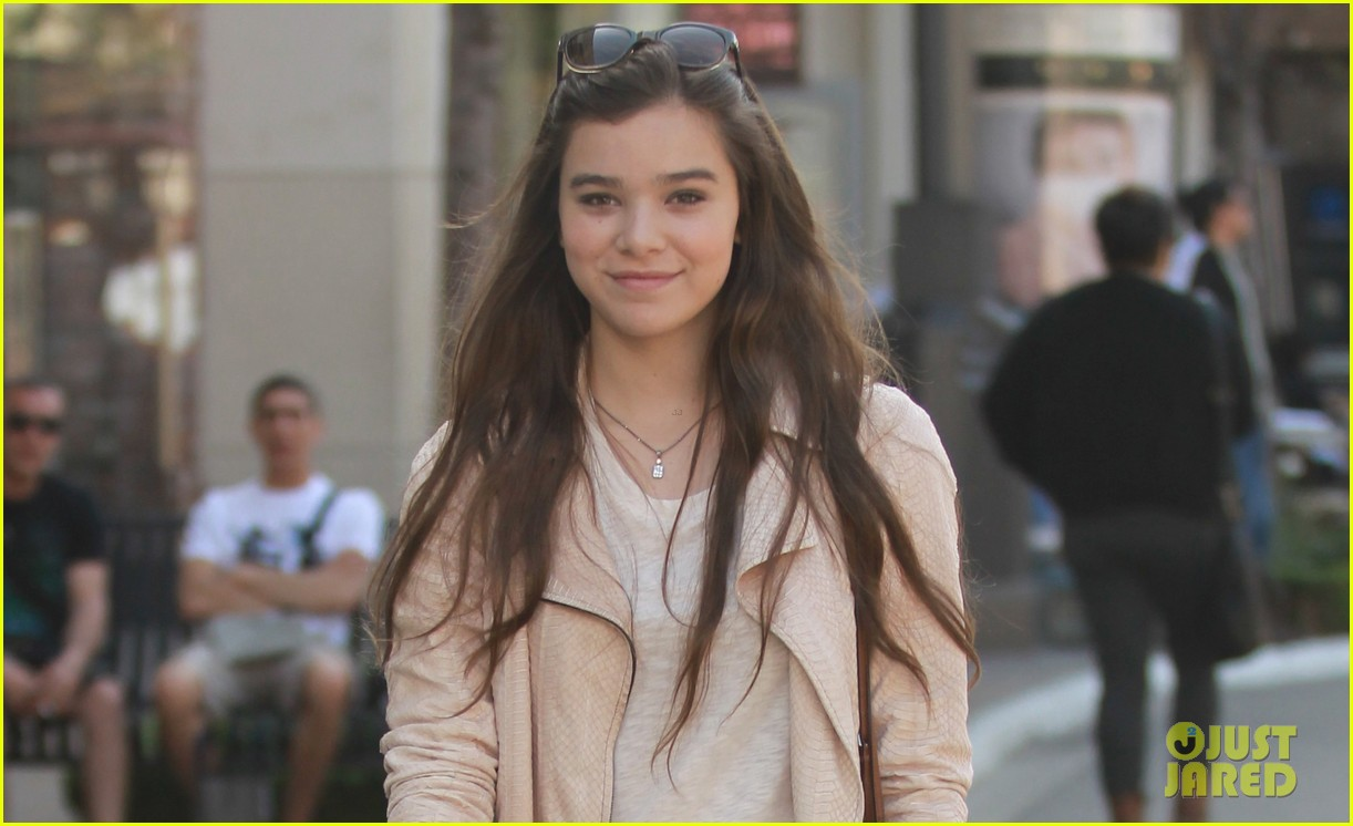 hailee steinfeld i cant wait to see great gatsby 052859938