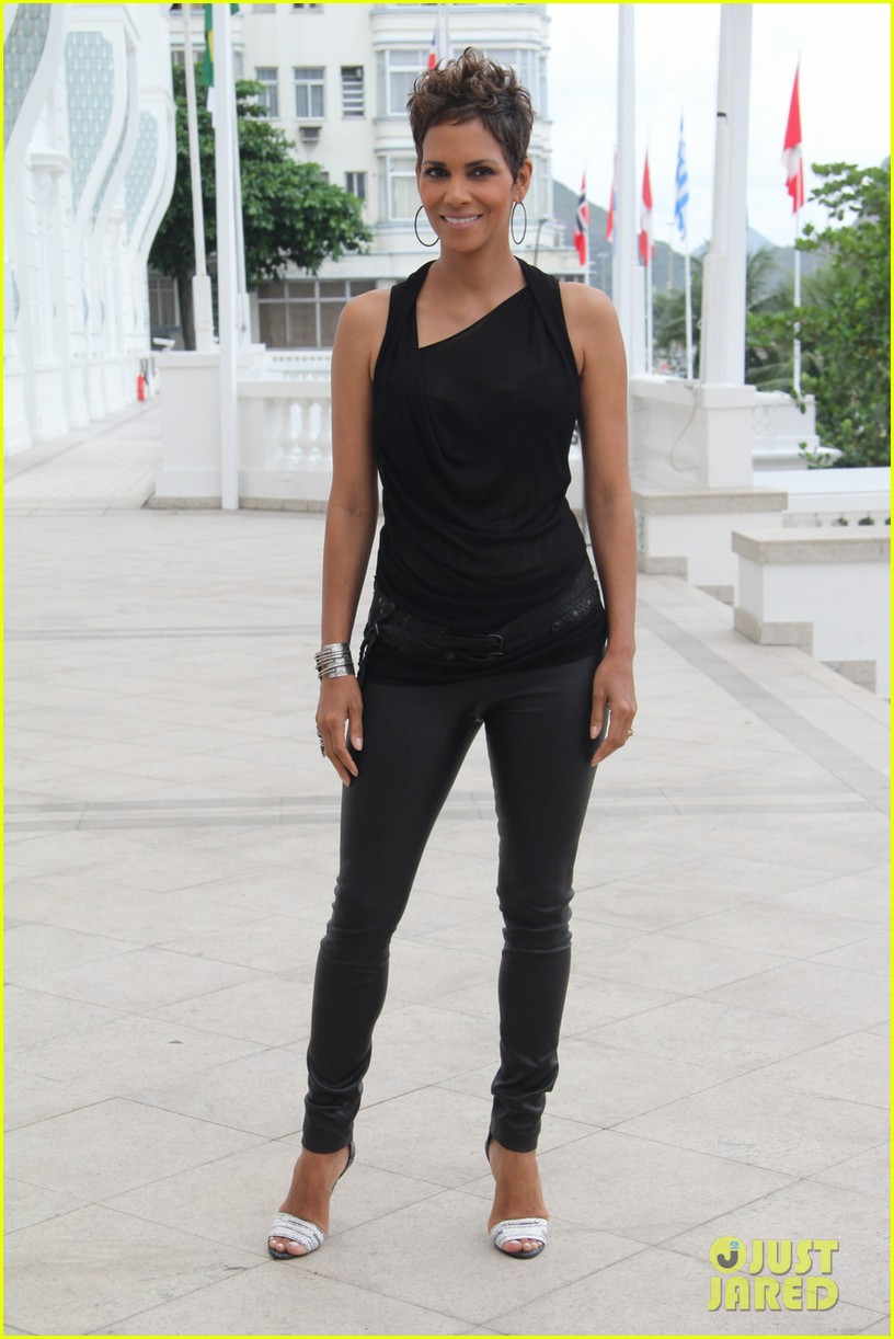pregnant halle berry call rio photo call 052846905