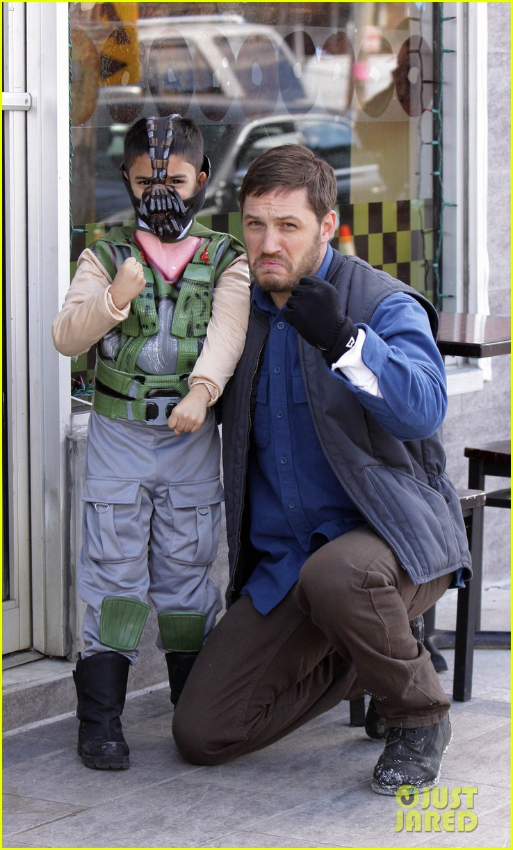 tom hardy meets with mini bane on animal rescue set 012842472