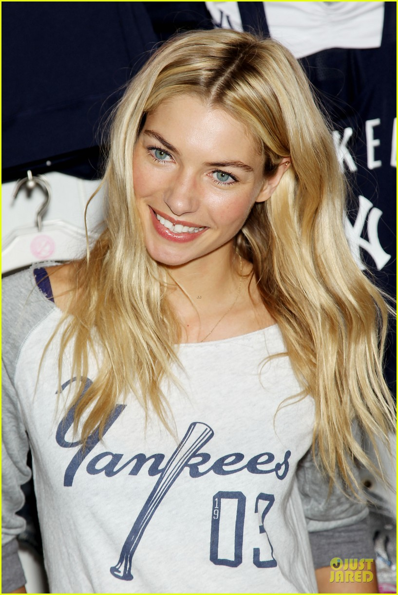 jessica hart yankees opening day new pink mlb collection celebration 10