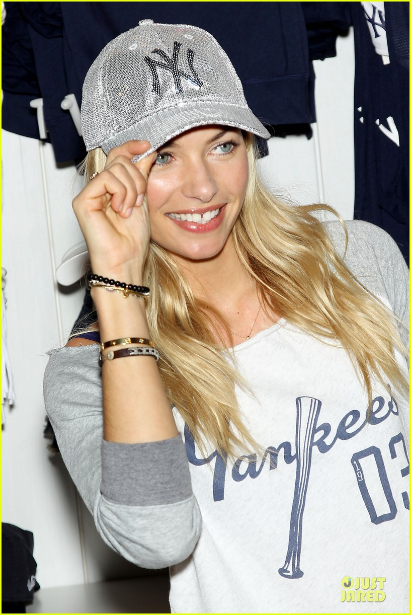 jessica hart yankees opening day new pink mlb collection celebration 202842441