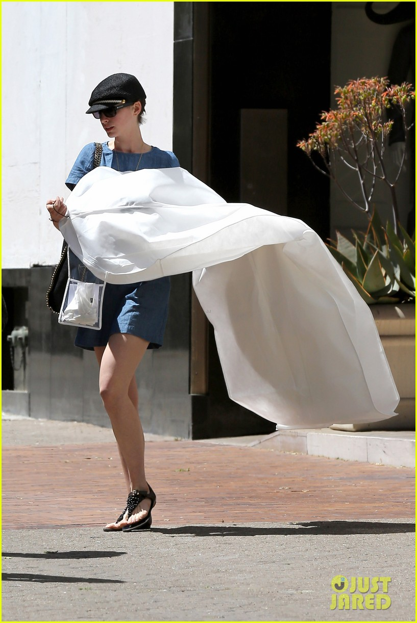 anne hathaway dry cleaning pick up 032852687