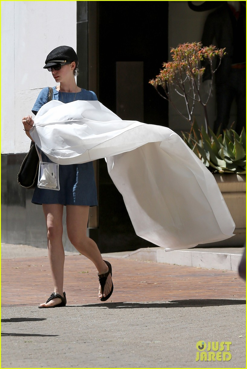 anne hathaway dry cleaning pick up 12