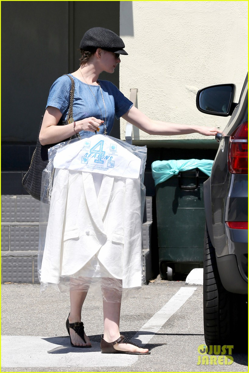 anne hathaway dry cleaning pick up 182852703