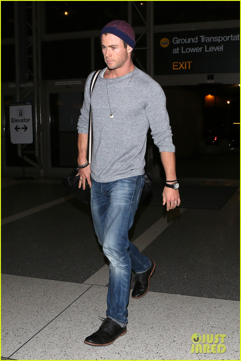 chris hemsworth catches flight liam hemsworth goes skateboarding 10