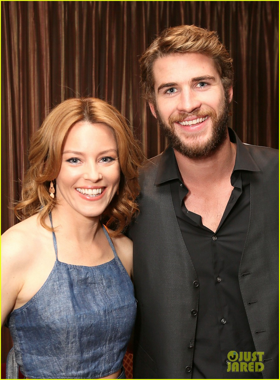 liam hemsworth elizabeth banks hunger games at cinemacon 022853112