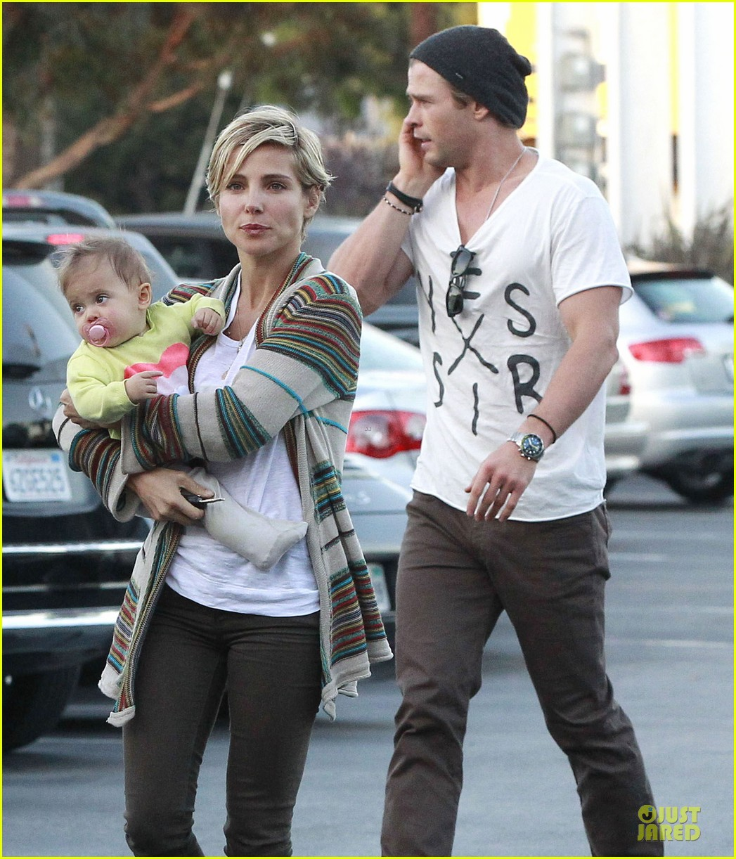 chris hemsworth elsa pataky grocery shopping after easter 072841863