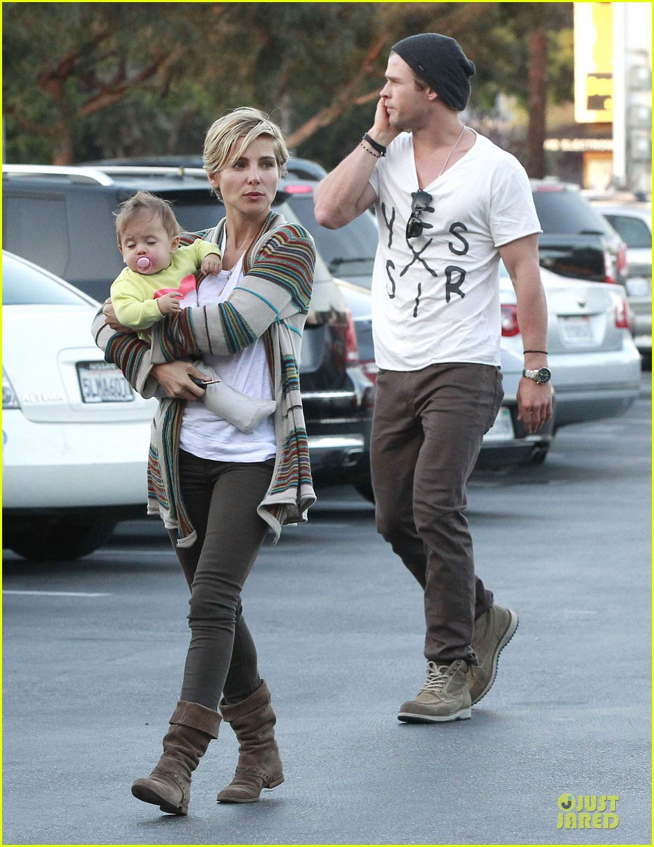 chris hemsworth elsa pataky grocery shopping after easter 102841866
