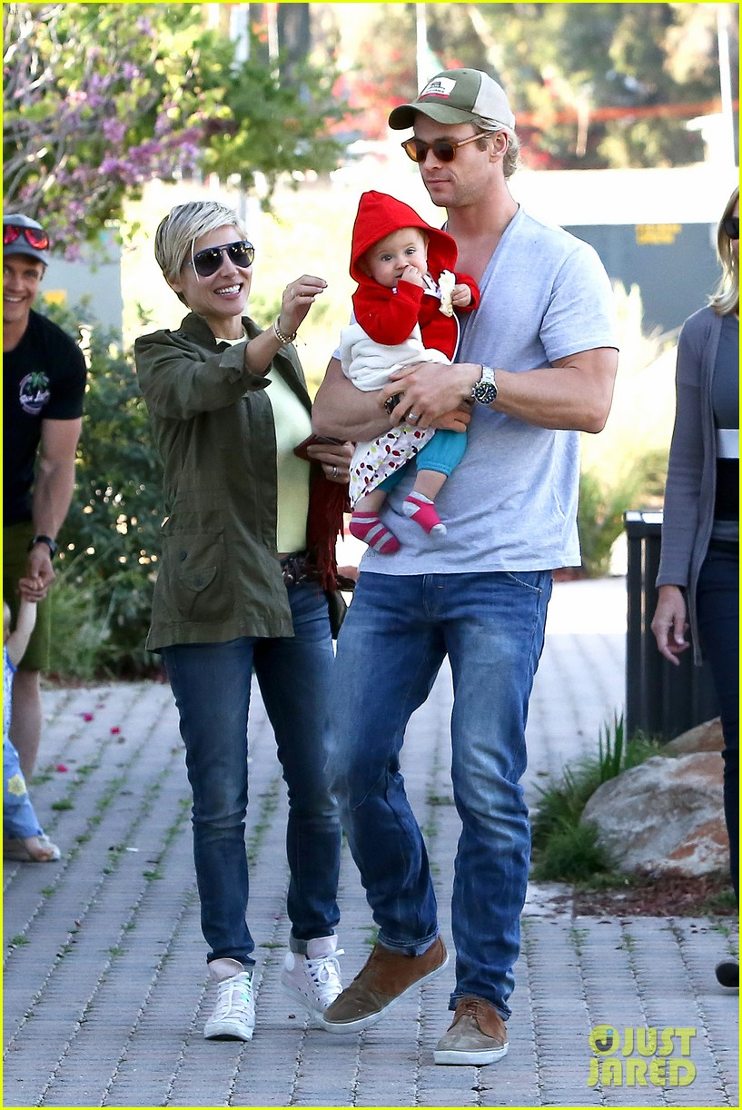 chris hemsworth elsa pataky lunchtime with india 012843652
