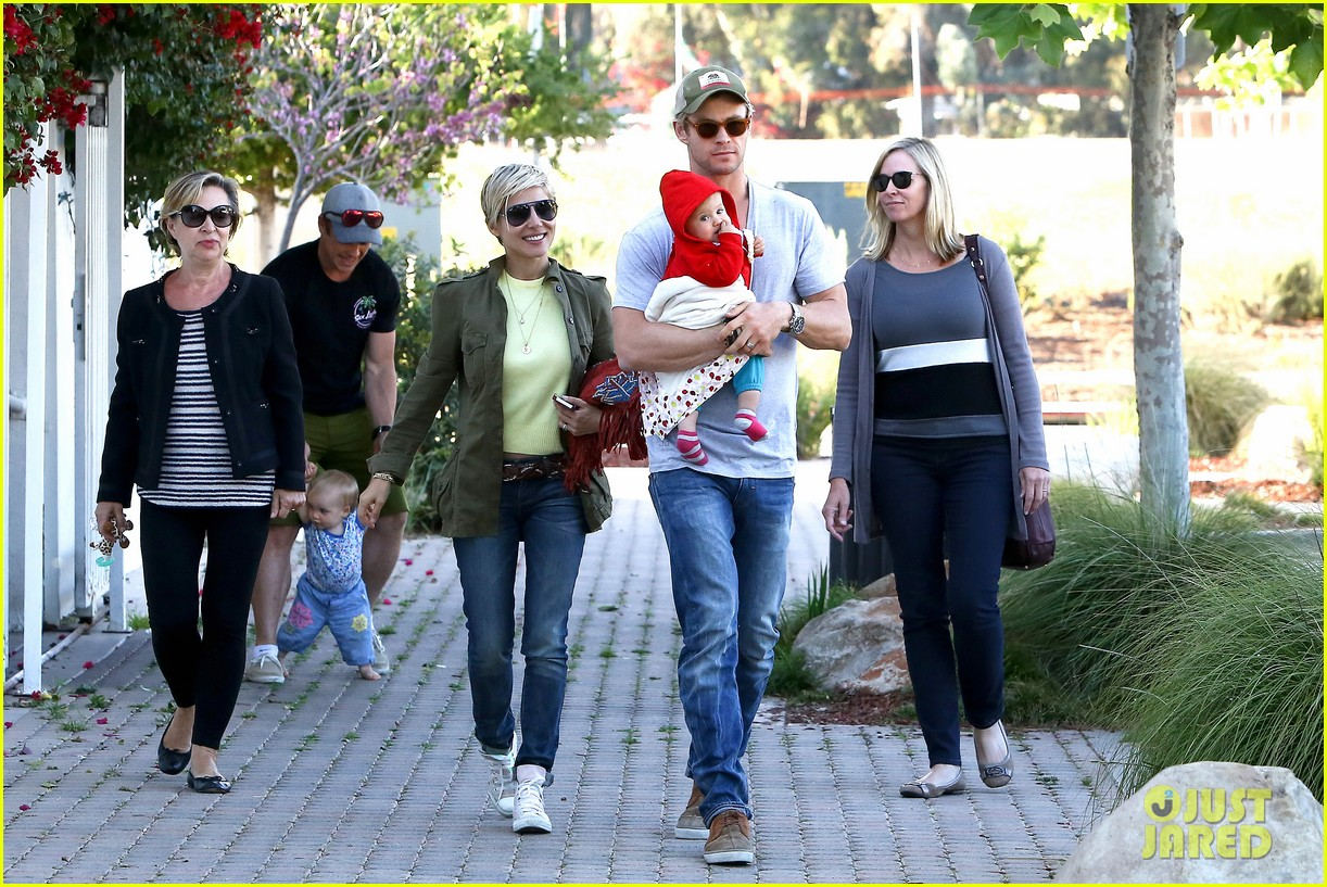 chris hemsworth elsa pataky lunchtime with india 102843661