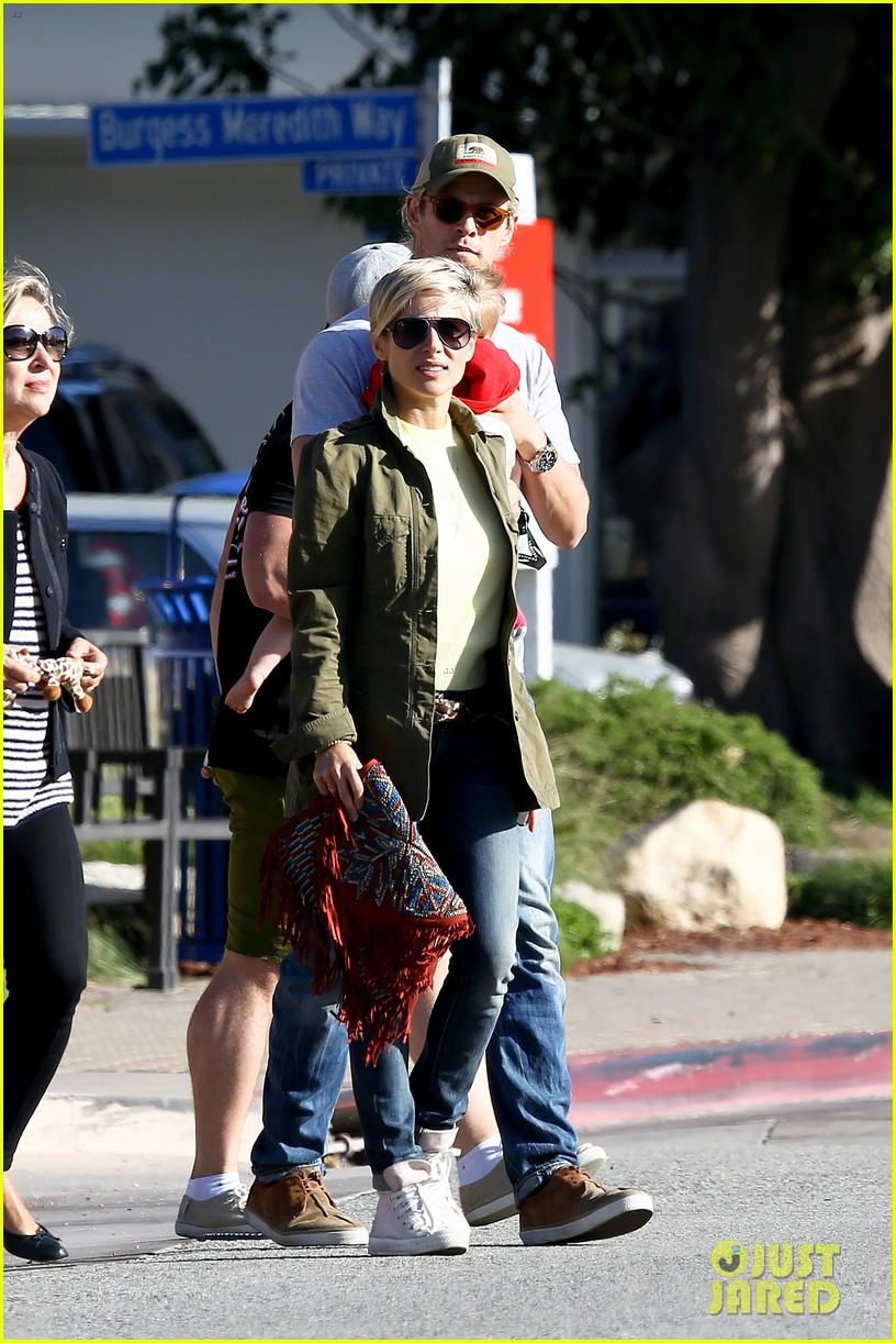 chris hemsworth elsa pataky lunchtime with india 172843668