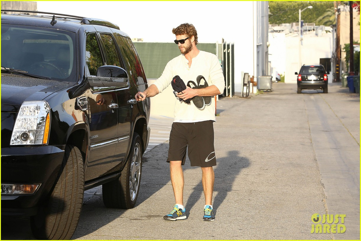 liam hemsworth steps out after the raven casting news 092843004