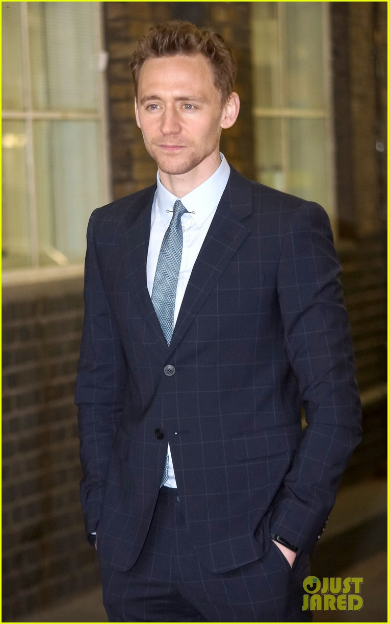 tom hiddleston talks sex appeal on this morning 012847862