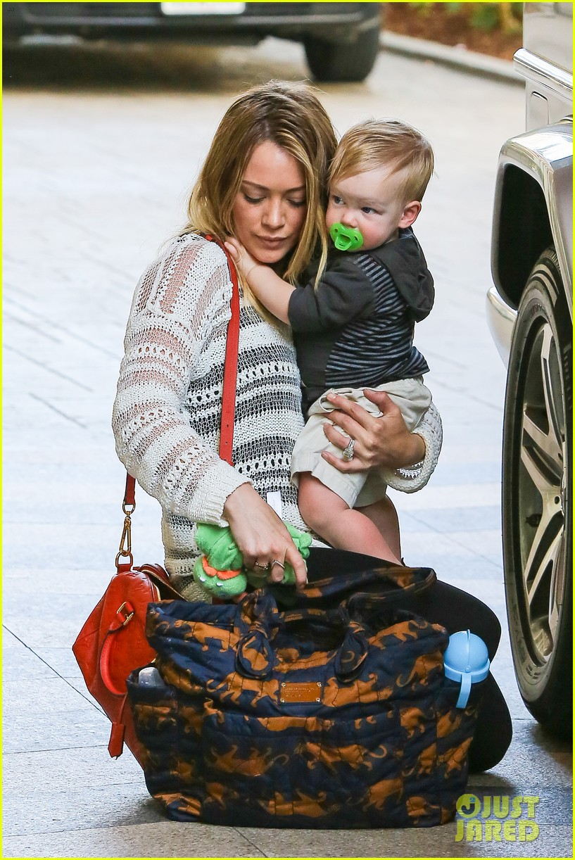 hilary duff birthday parties with baby luca 022856875